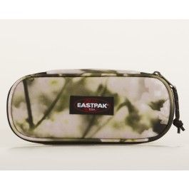 New colors and patterns by Eastpak! Check them out at KAZA.dk  (Multi Eastpak Oval Penalhus)