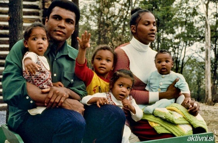 Muhammad Ali with Khalilah Camacho Ali (born Belinda Boyd in 1950) is the former wife of boxer Muhammad Ali. In 1967, at age 17, she married Ali. After ten years, she divorced him. She had four children with Ali. Maryum Ali, Jamillah Ali, Rasheda Ali, and Muhammad Ali, Jr.