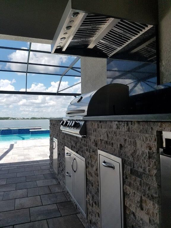The Paradise Of An Elegant Outdoor Kitchen Outdoor Kitchen Outdoor Swimming Pools