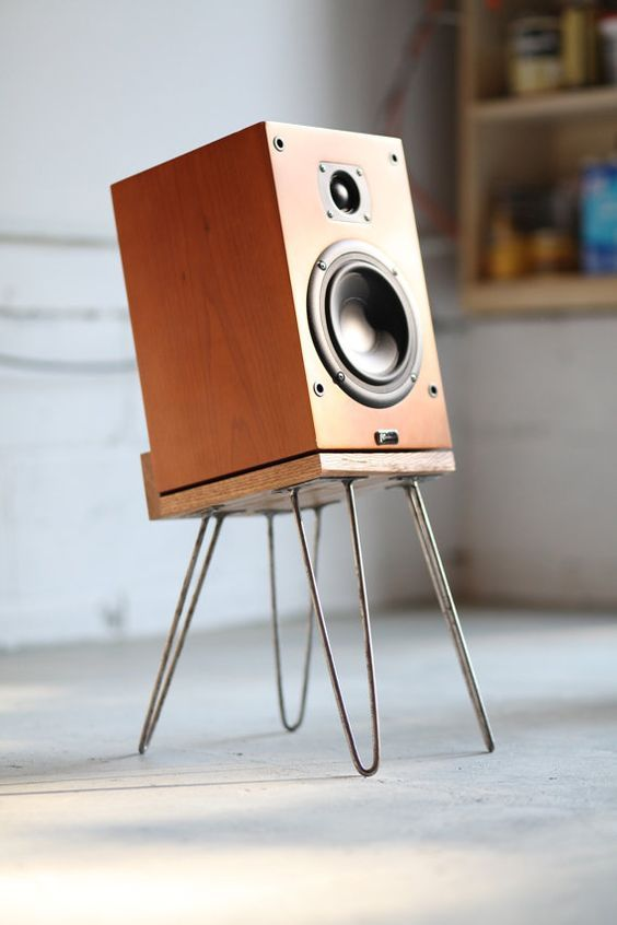 "Sound Levitation | 10"" rétro Speaker Stands:"