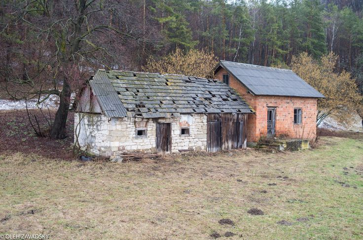 https://flic.kr/p/WnXzDS | Embodied Sadness | Sadness isn't any bad. It has its own charm and beauty. Life used to boil in this tiny little house by the road and it stopped one day. People probably just moved out and didn't want to demolish the building… I know nothing about its story, but it's so interesting to know how it felt to sleep there the last night or cook the last dinner. Did they know it was the last one? Or maybe it was the happiest evening and nigh of their live because they…