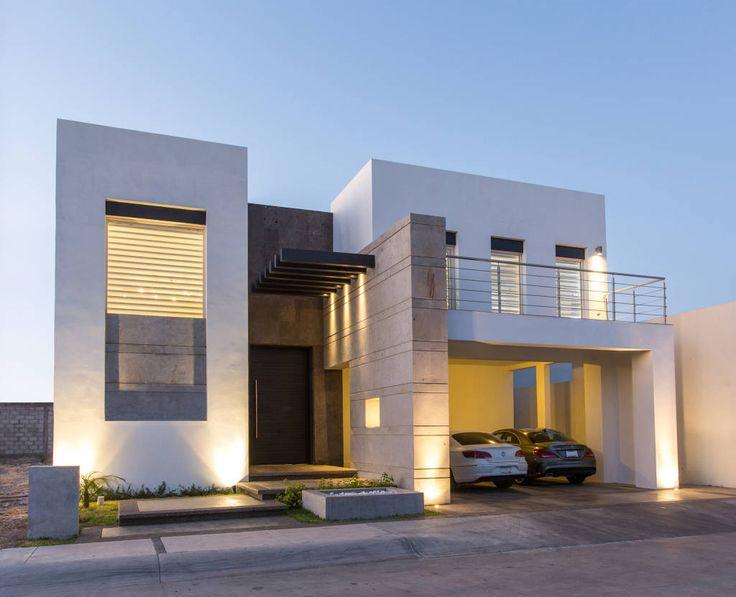 Buscá imágenes de diseños de Casas estilo Moderno de Grupo Arsciniest. Encontrá las mejores fotos para inspirarte y creá tu hogar perfecto.