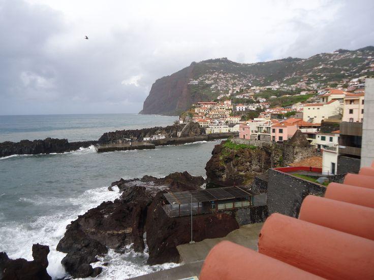 Moradia para venda, junto ao mar e piscina das salinas, ligue 963701529 e venha visitar imoveis@netmadeira.com www.decisoesvibrantes.com