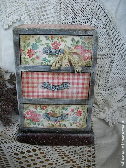 Little sweet decoupage chest