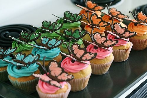 chocolate butterflies...beautiful!  i saw these and just had to know how to make them for myself
