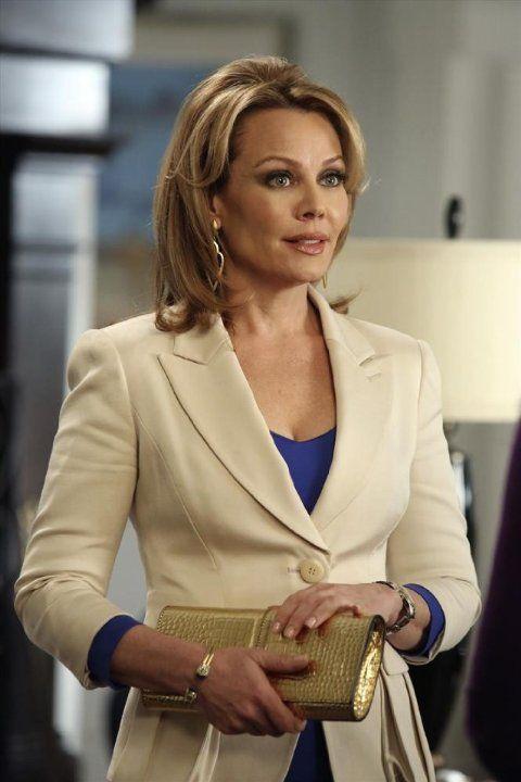 Still of Gail O'Grady in Revenge (2011)