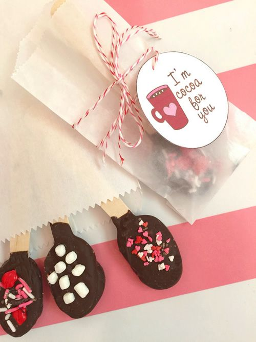 Valentine Hot Chocolate Spoons & Printable Tags #print #gift #idea
