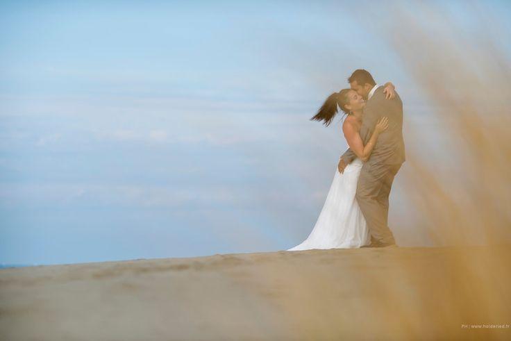 Couple de mariés sur la plage | Photographe mariage Montpellier / Nîmes / Héraut / Gard