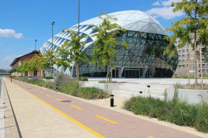 CET-Building-ONL-13.jpg 728×485 pixels