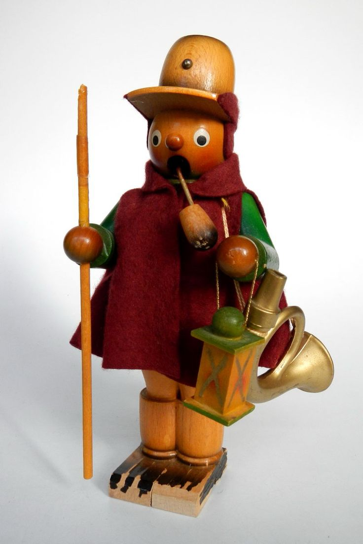 Germany | Smoker doll made in Seiffen in the Erzgebirge region.21 cm