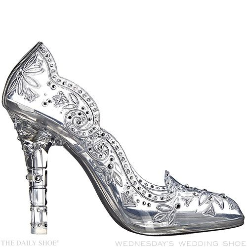 Wednesday's Wedding Shoe – Cinderella's Slipper by DOLCE GABBANA | http://www.thedailyshoe-official.com/2016/01/27/wednesdays-wedding-shoe-cinderellas-slipper-dolce-gabbana/