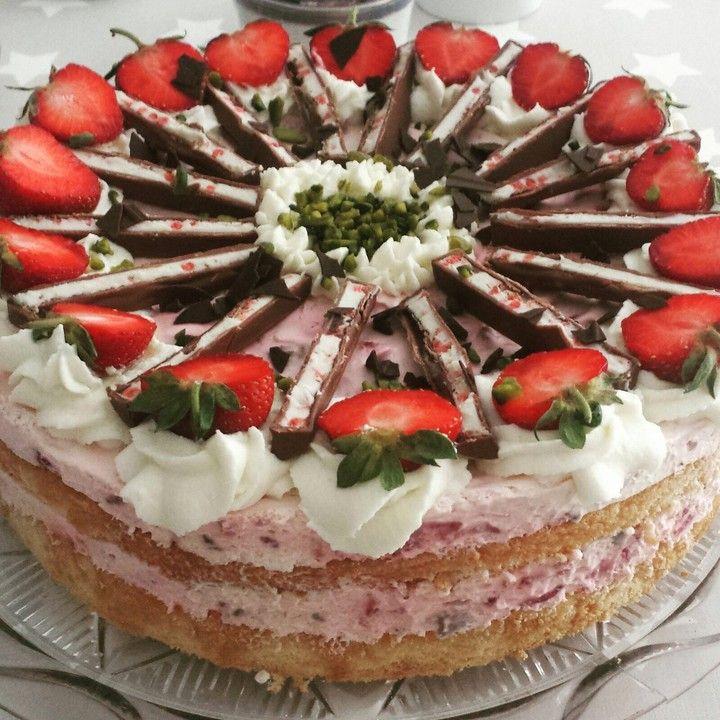 Yogurette Torte Von Angelkrissi Chefkoch Rezept Yogurette Torte Torte Ohne Backen Joghurttorte