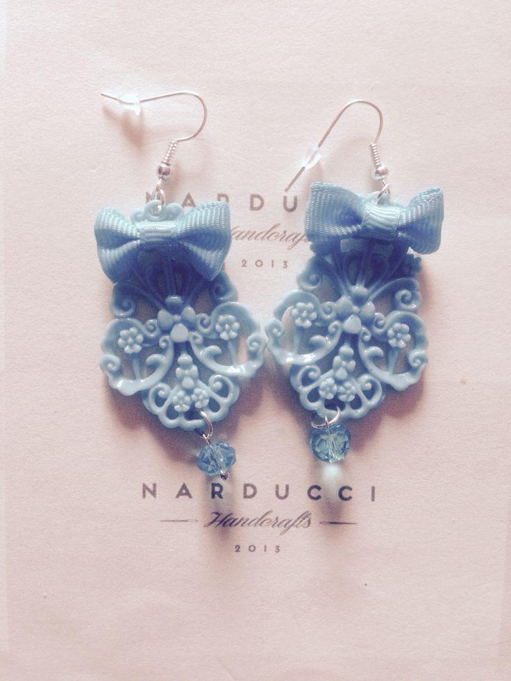 Orecchini in resina chandelier azzurri