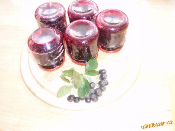 Jeřáb černý - aronie * * * * * postupně prřidávané  recepty