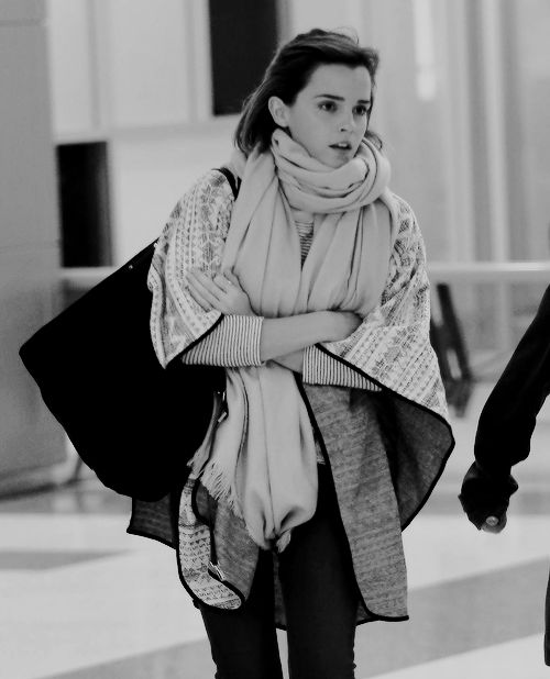 04.03.16 - Emma Watson arriving at the JFK Airport in NYC.