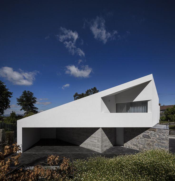 Casa Taíde / Rui Vieira Oliveira + Vasco Manuel Fernandes