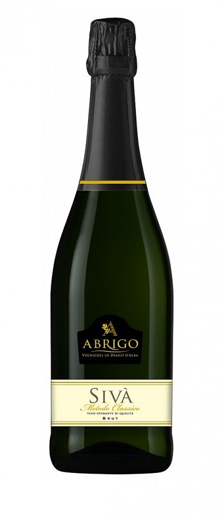 Sparkling Quality Wine Sivà – Abrigo € 17.90 Straw yellow color, intense nose that recalls the typical perfume of Chardonnay with pleasant notes of bread crust; in the mouth it is fresh, dry, with a delicate sourness that is mitigated by its special roundness. Pairings: It can be used both for an informal aperitif and for the most important occasions. Serve at 10-12°C #wine #sparkling #italy #piedmont