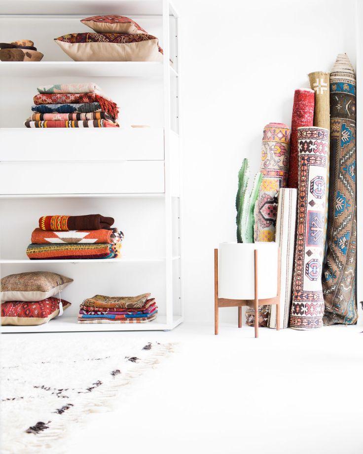 """Een van de huidige trends in woonland zijn de kleurrijke """"nomaden"""" tapijten."""