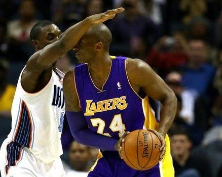 Kobe Bryant helps Lakers shed weight with high protein gluten-free low-carb diet: http://www.examiner.com/article/kobe-bryant-helps-lakers-shed-weight-with-high-protein-gluten-free-low-carb-diet