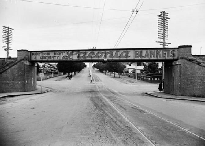 Looking north along Moorabool Street, from near Kardinia Park. 1930?