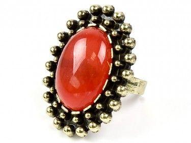 Złoty rubin - pierścionek vintage Sprawdź więcej na www.carlena.pl