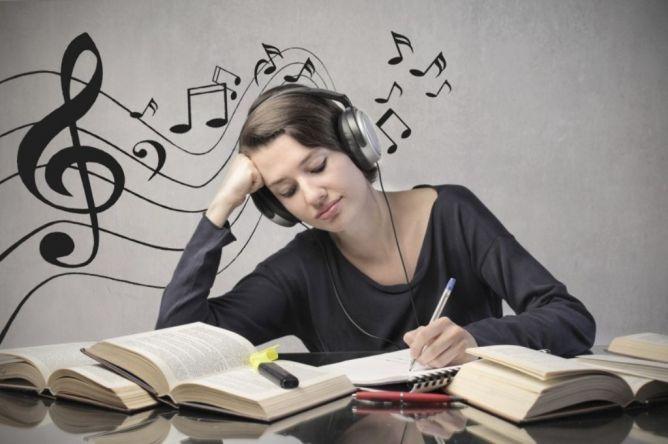 Suka Musik Klasik? Berikut Ini Ada 5 Manfaat tak Terduga Ketika Mendengarkanya | PiknikDong
