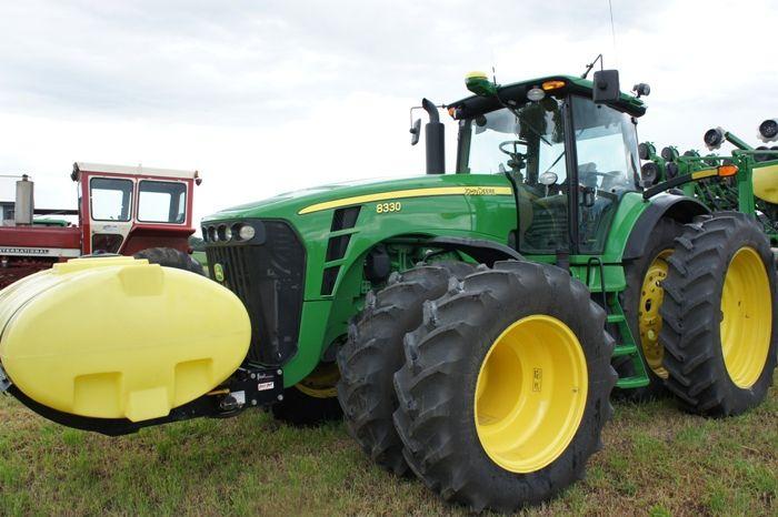 JD 8330.John Deere 8330.Same hp as the 225hp 8400 from 1994-99