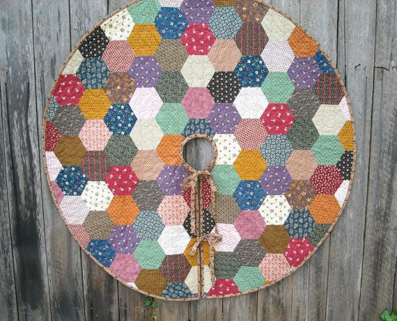 Quilted Christmas Tree Skirt Hexagon Quilt By IVANandLUCY