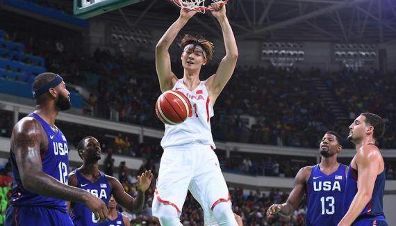Adam Silver « frustré » par l'absence de joueurs chinois en NBA -  Stephon Marbury, Gilbert Arenas, Michael Beasley, Von Wafer, Delonte West… La liste d'anciens NBAers ayant rejoint la ligue chinoise est très longue. Ce constat est beaucoup moins vrai dans le… Lire la suite»  http://www.basketusa.com/wp-content/uploads/2017/06/zhelin-wang-570x325.jpeg - Par http://www.78682homes.com/adam-silver-frustre-par-labsence-de-joueurs-chinois