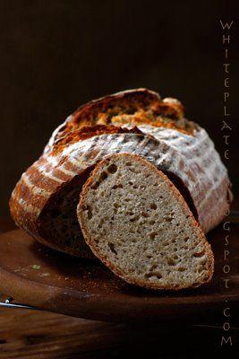 Chleb polski. Polish Bread, Sourdough Rye 200 ml of warm water *  2 teaspoons dry yeast  500 g of a thick sourdough rye dokarmionego 10-12 hours in advance **  660 g of wheat flour (preferably bread)  1 tablespoon sea salt