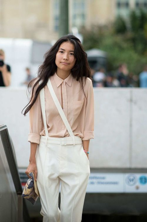 Pastel outfit, suspenders worn on one shoulder