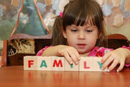 En norsk psykolog, Nina Rohrer-Baumgartner, vil gøre en ende på 'vent og se'-holdningen til sen sprogudvikling blandt småbørn med ADHD-symptomer – jeg har sakset et indlæg fravidenskab.dkom…