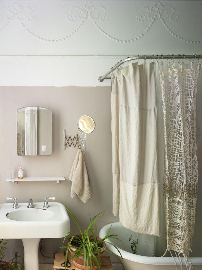 nightwoodWall Colors, Bathroom Design, Modern Bathroom, Vintage Bathroom, White Bathroom, Painting Colors, Bathroom Interiors Design, Shower Curtains, Design Bathroom