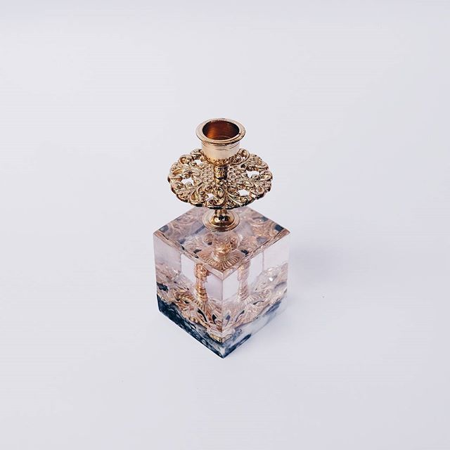 What a pleasure to see such a beauty candle holder that we build today !  Please don't be hesitate to give us a question about our product at :  Rumahharu@gmail.com Studio.haru ( LINE app ) . #studioharu #candleholder #homeandliving #homedecor #decoration #elledecor #folkliving #resin #gold #brass