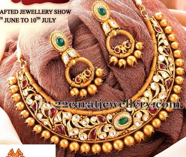 Jewellery Designs: Antique Kundan set with Hangings