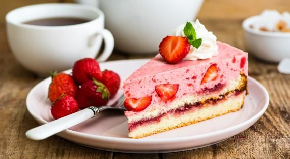 Йогуртовый торт с клубникой. Пошаговый рецепт с фото, удобный поиск рецептов на Gastronom.ru