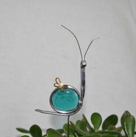 Gebrandschilderd glas Teal blauwe slak Plant spel, tuin kunst, ShellysGlassStudio