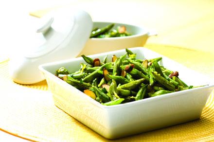 Grønne bønner med mandler og persille