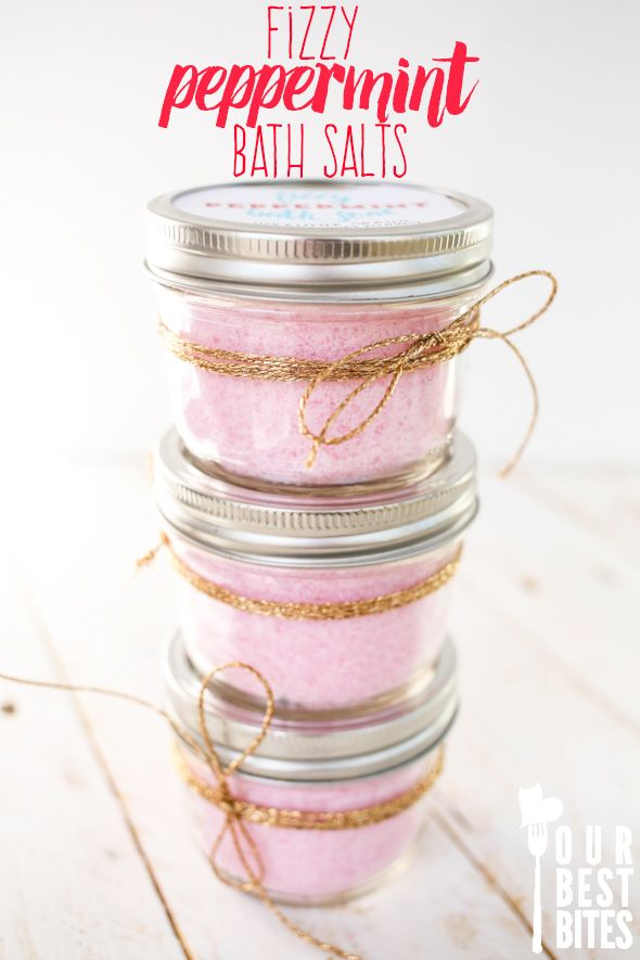 Super easy fizzy peppermint bath salts from Our Best Bites. Inexpensive, quick, and smell like candy canes. Perfect homemade Christmas gift!