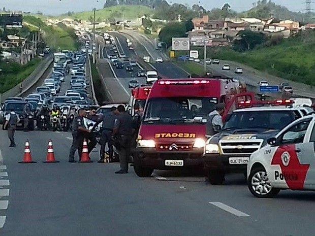 CONEXÃO BOMBEIRO : Mulher fica gravemente ferida em acidente na rodov...