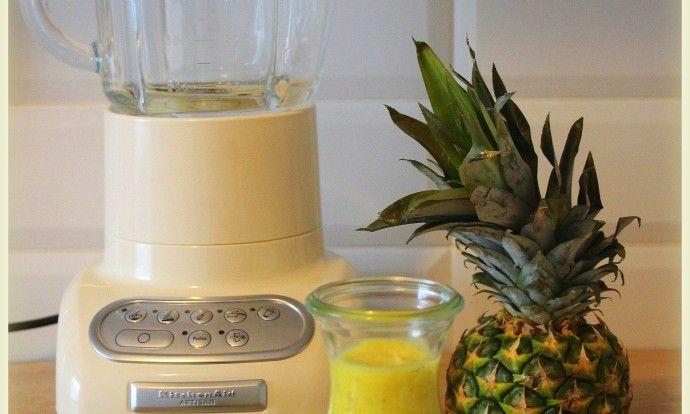 Ananasové smoothie s chia semínky a kokosovým mlékem