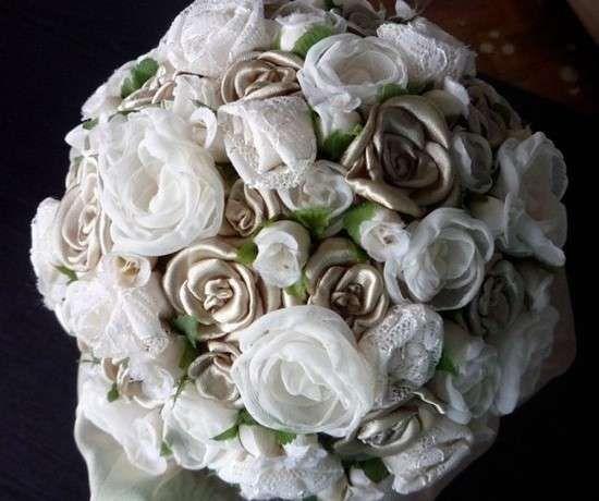 Ramos de novia de tela: Fotos de modelos - Elegante ramo de novia elaborado con flores de tela