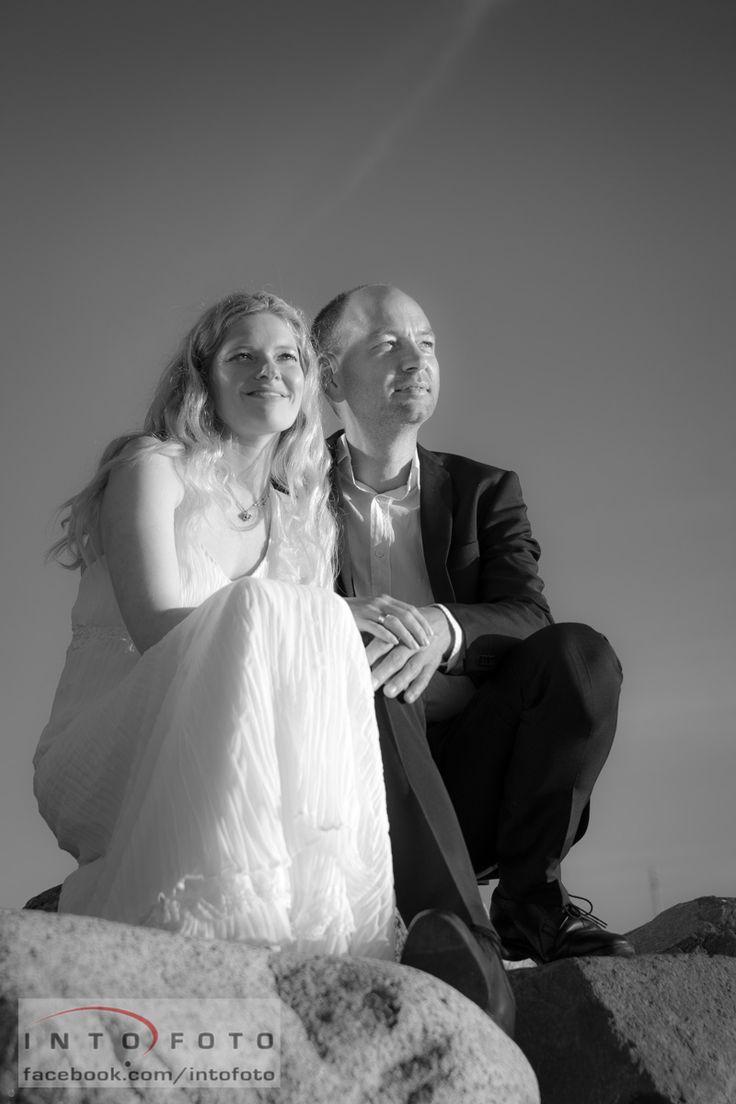Flot lys ved vandet #Bryllup #Wedding #Bryllupsfotograf #Intofoto #Bryllupsfoto #Bryllupsfotografering #Hillerød #Nordsjælland #Brudepar