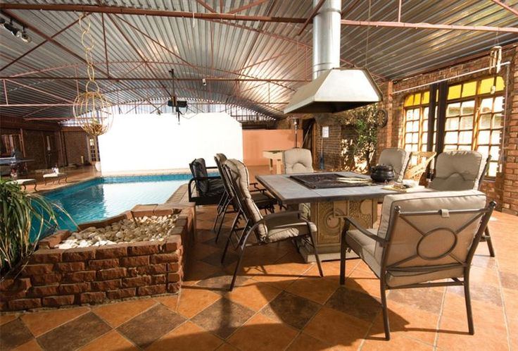 Shalom Game Lodge - Shalom Game Lodge is only a half an hour's drive outside of Pretoria, away from the stress of city life.  Shalom Lodge is an affordable, self-catering lodge that offers you stylish and comfortable accommodation ... #weekendgetaways #pretoria #easterngauteng #southafrica