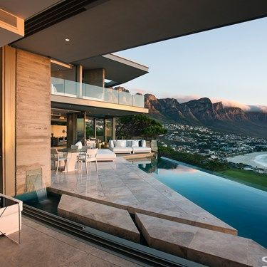 A contemporary flexible family residence on a spectacular site.