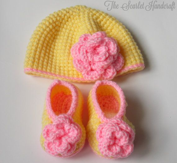 Rosette Booties and Beanie. Handmade Baby by TheScarletHandCraft