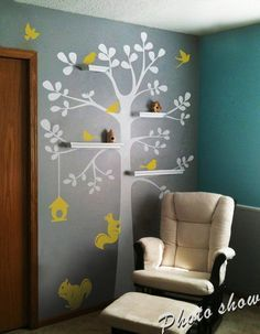 Sticker mural en vinyle pour chambre d'enfant Original Étagère mural en vinyle Motif arbre et oiseaux pour chambre de bébé Décoration de sapin et une ligne : Blanc, Oiseaux, nichoir et écureuil : Jaune clair)