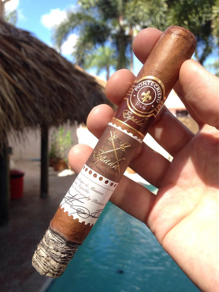 "#nowsmoking this new Montecristo Espada ""Guard"" toro for its final #cigar…"