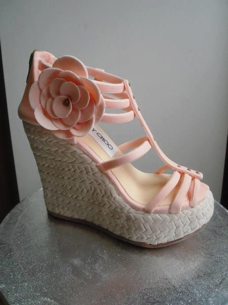 Love Jimmy Choo shoe cake!!