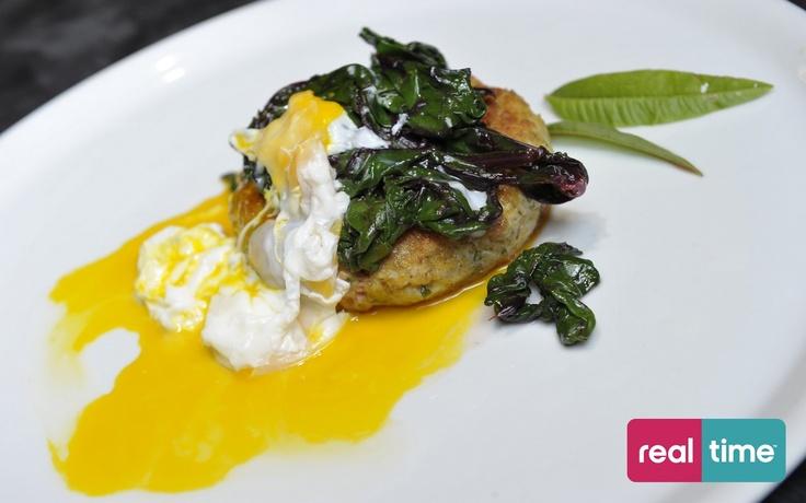 Real Time è: Cucina Con Ale con Alessandro Borghese. Pollo in camicia. Guarda la ricetta su www.realtimetv.it/web/cucina-con-ale
